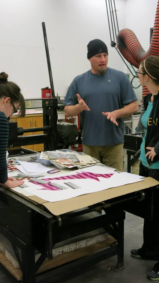 Shannon explicando el proceso de colaboración