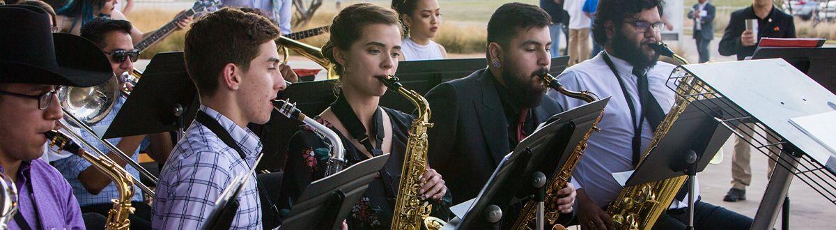 Banda de jazz actuando