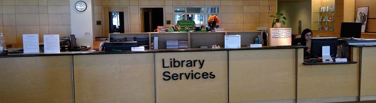 Escritorio de servicios de biblioteca